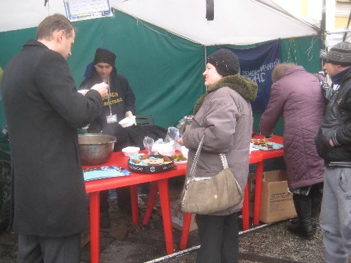Food served up to those in Maidan